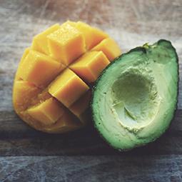Aguacate y mango para una nueva ensalada