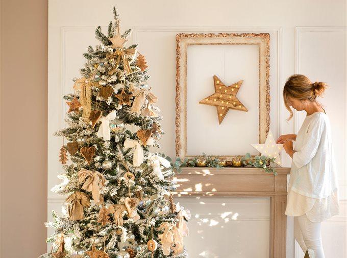 arbol-de-navidad-en-dorado-blanco-y-cristal_elmueble